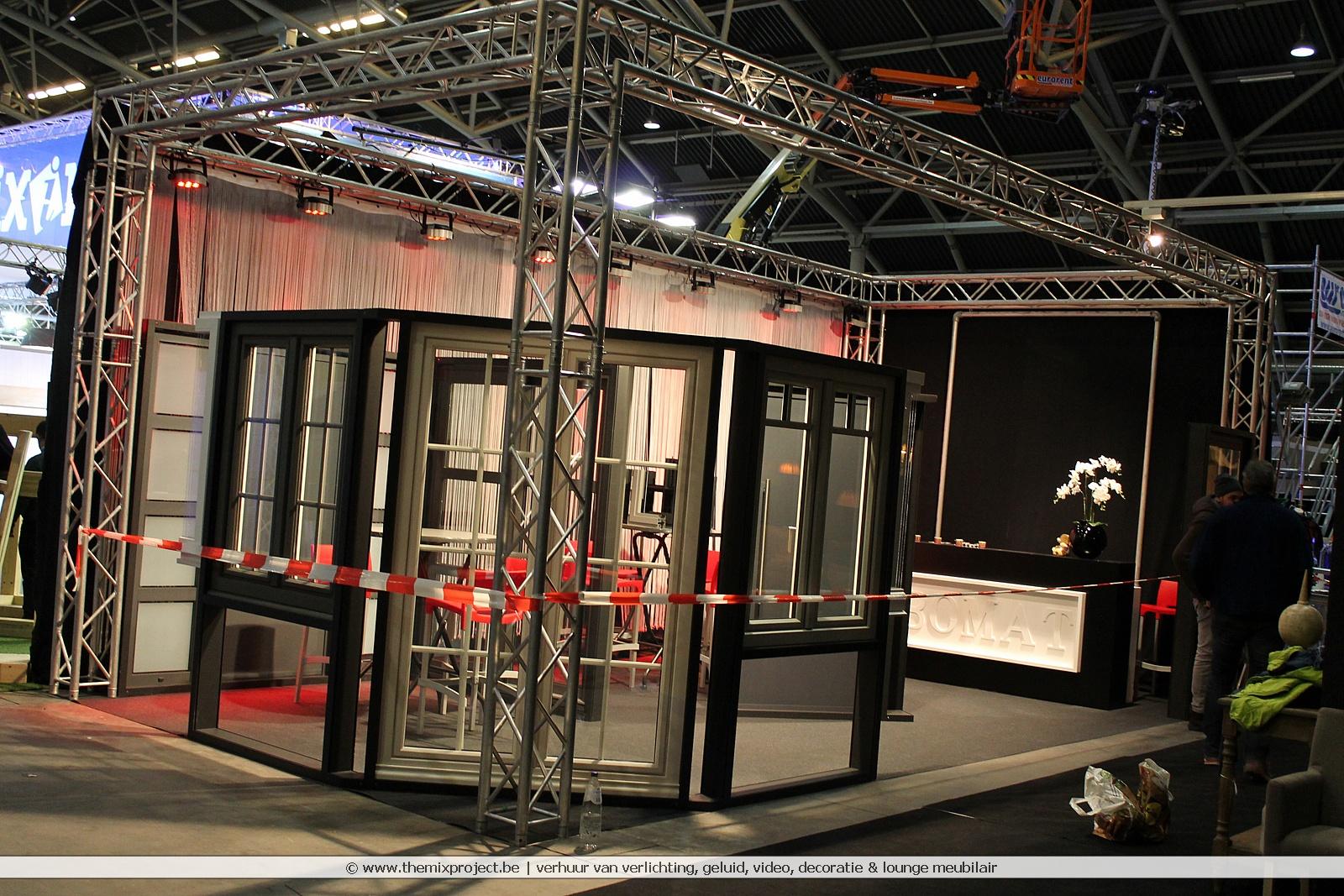 Foto's Standenbouw voor Kubomat op Bouwinnovatie beurs te Ethias Arena Hasselt